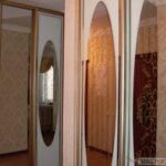 шкаф с зеркалами в дом